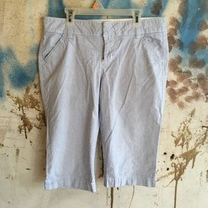 Old Navy light blue capris